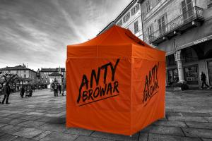 Pomarańczowy namiot rurkowy z nadrukiem